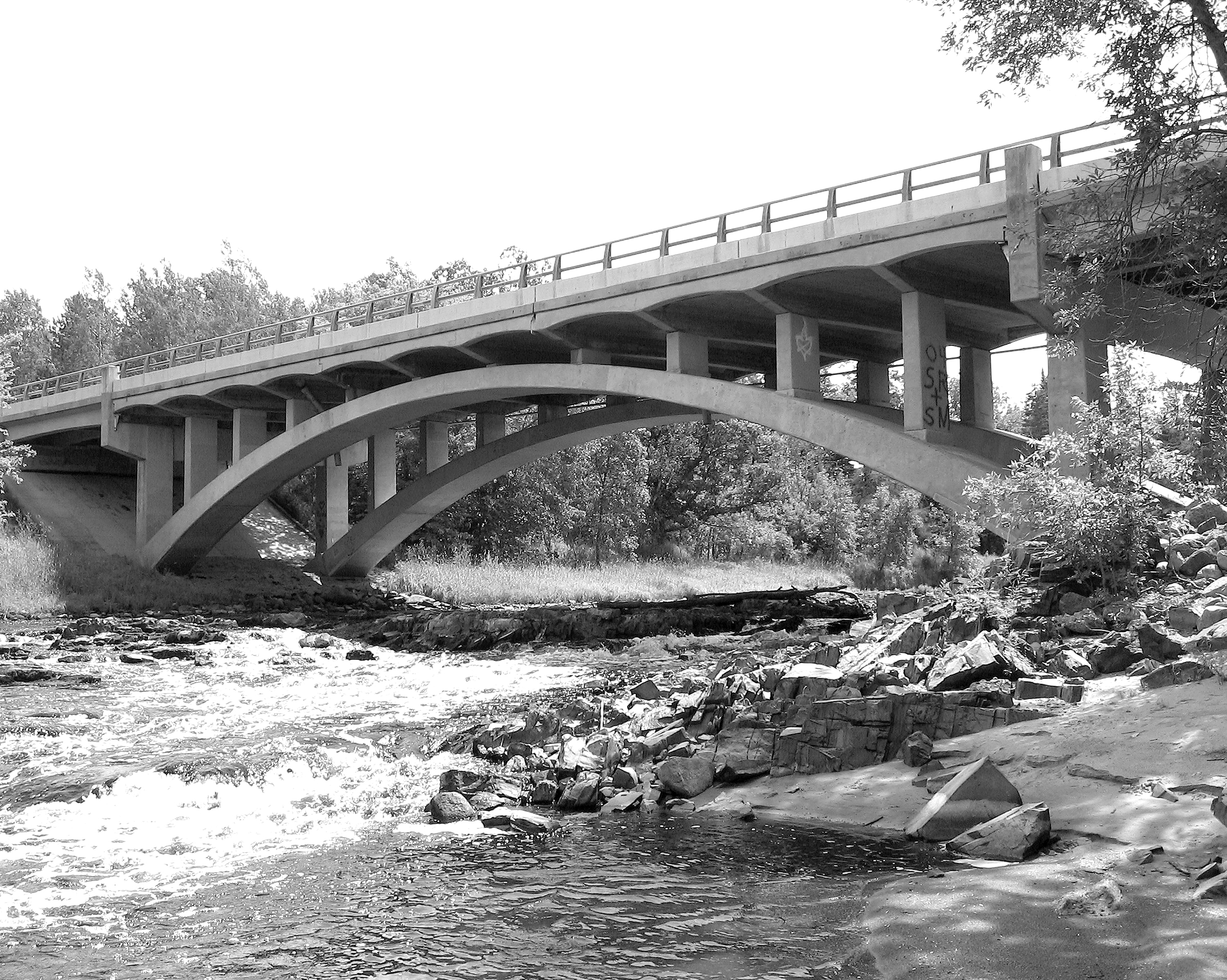 Bridge 5557 - MHPR LW-CLE-001-05 (Please credit Daniel R. Pratt and the Minnesota Historic Property Record)