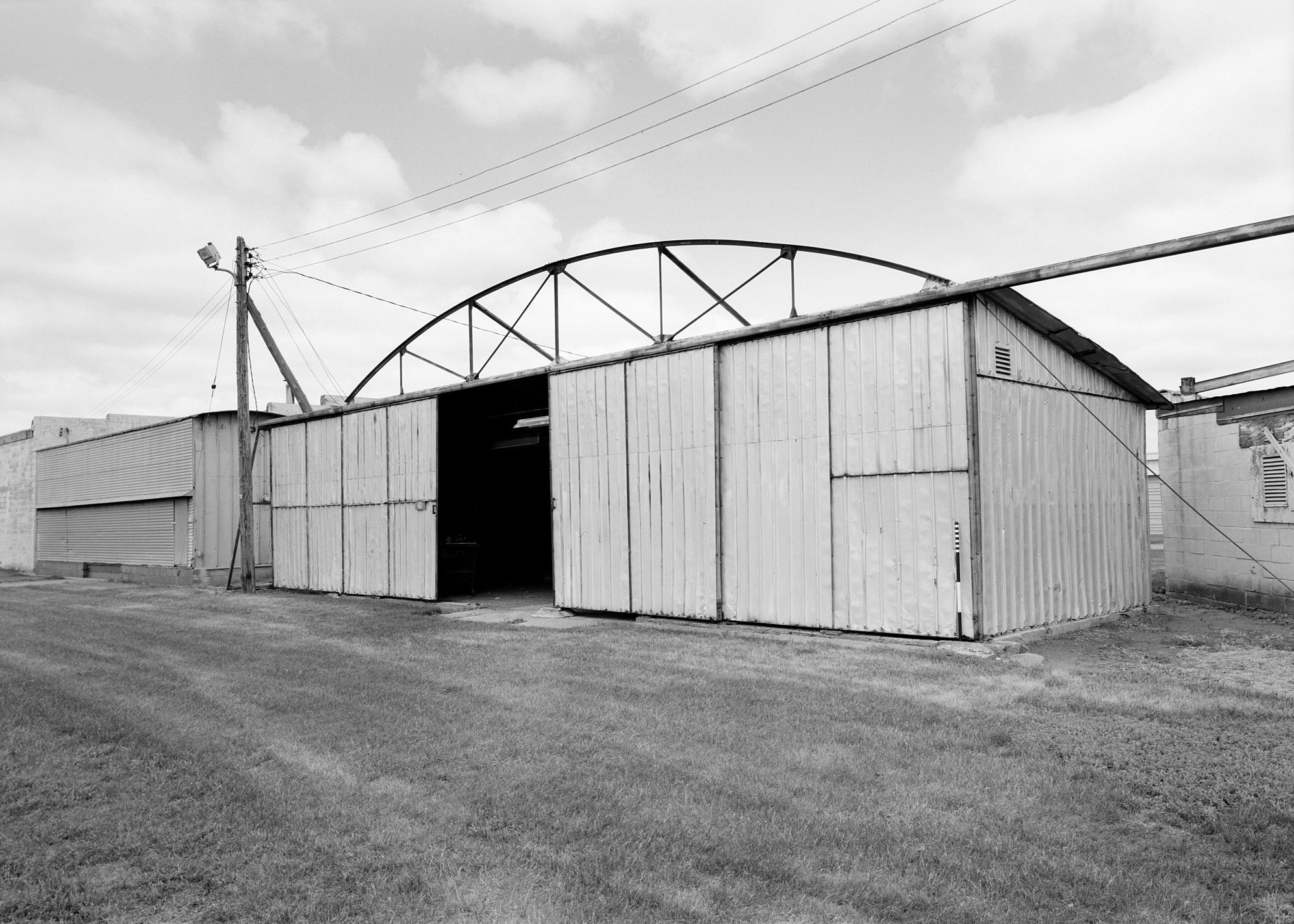 Hangar - MHPR HE-EPC-110-02 (Please credit Daniel R. Pratt and the Minnesota Historic Property Record)