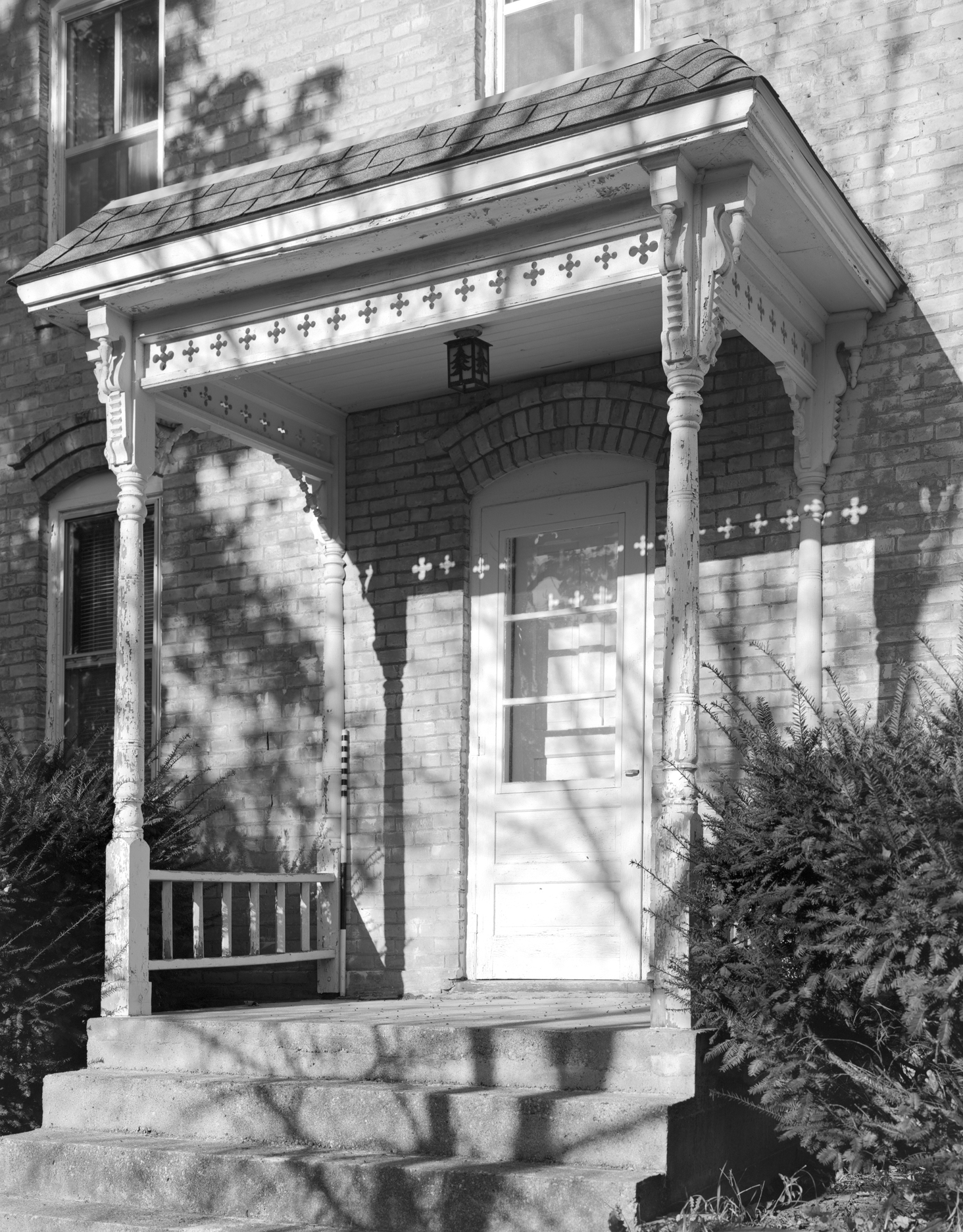 Ortlip House Porch Detail - MHPR CR-CKT-004-04 (Please credit Daniel R. Pratt and the Minnesota Historic Property Record)