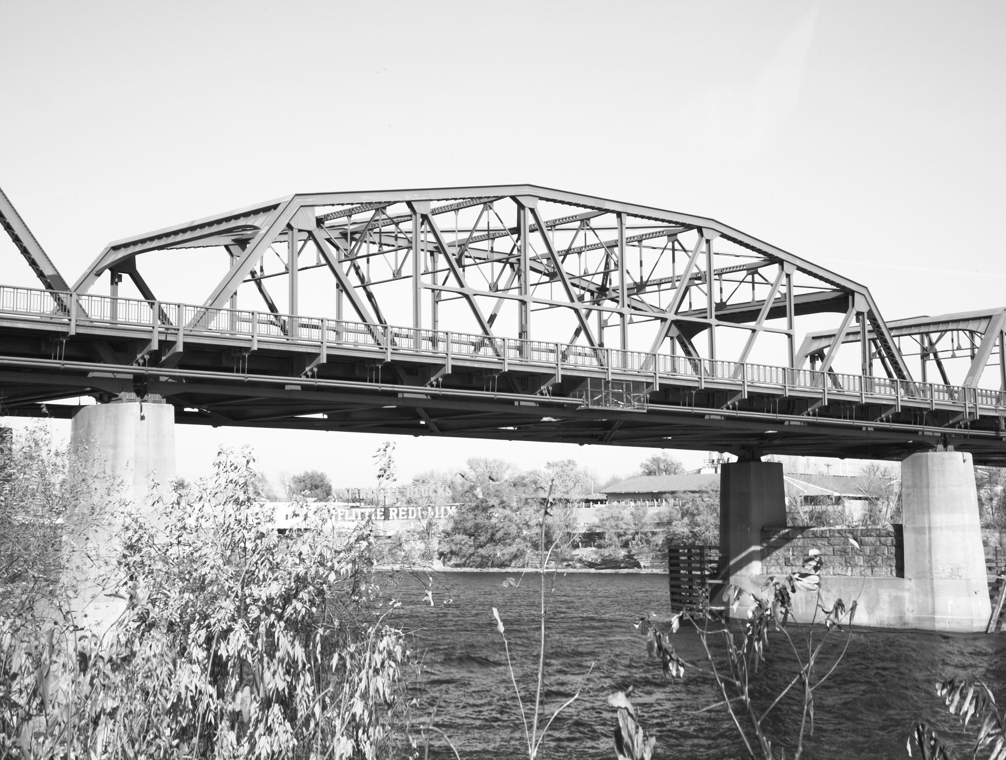 Lowry Avenue Bridge - HE-MPC-8351-04 (Please credit Daniel R. Pratt and the Minnesota Historic Property Record)