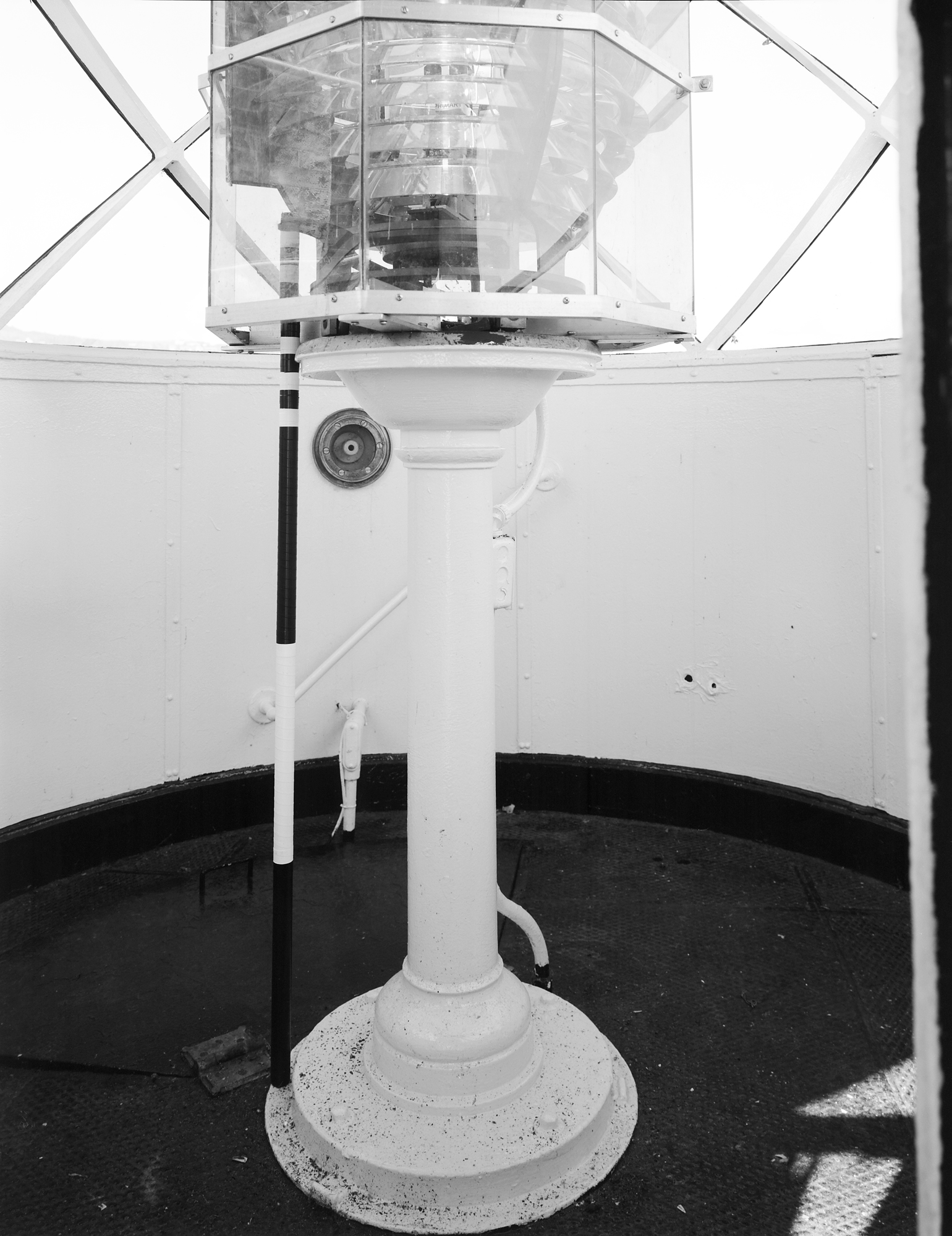 Cast Iron Fresnel Lens Pedestal - SL-DUL-2003-12 (Please credit Daniel R. Pratt and the Minnesota Historic Property Record)