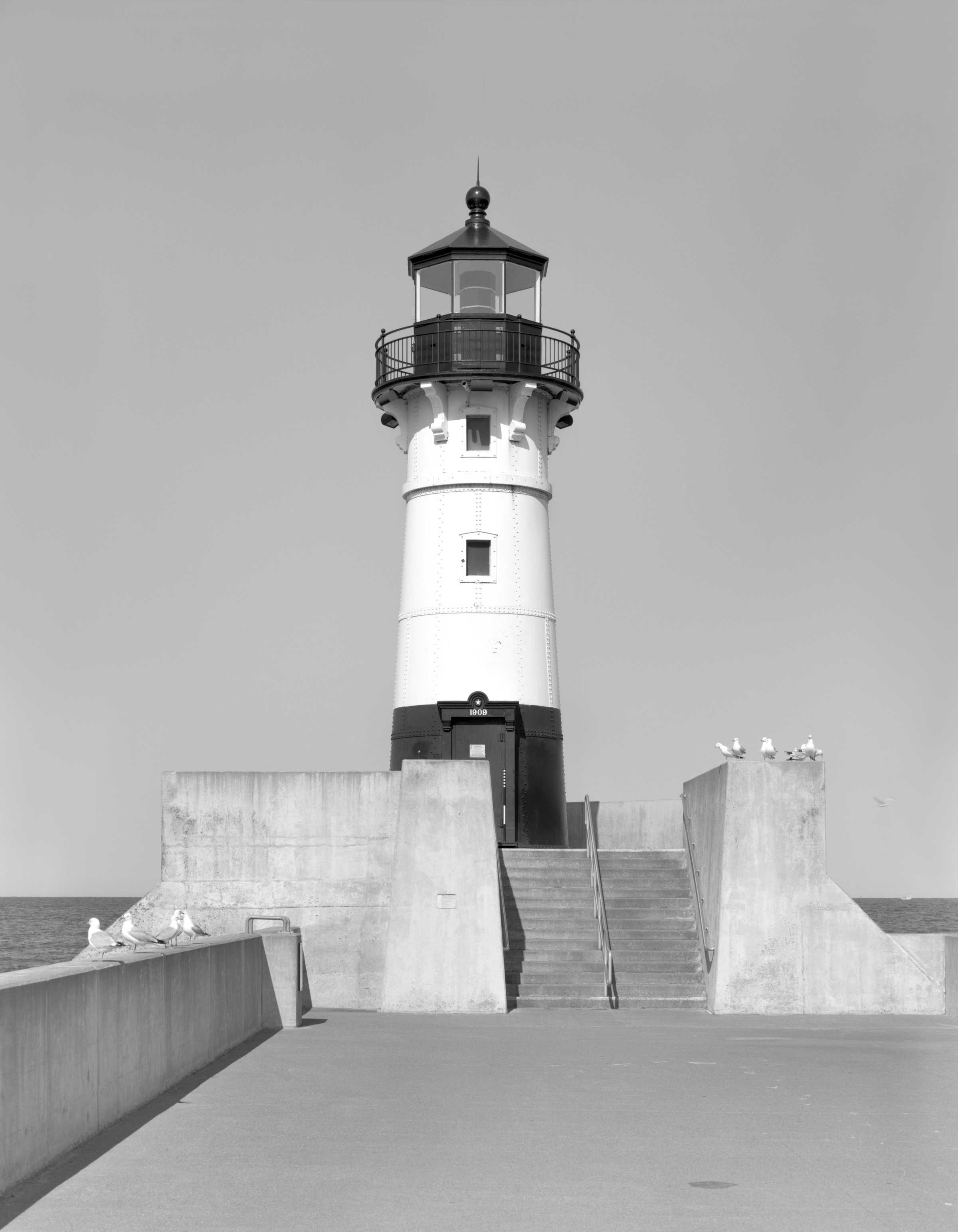 North Pier Light - MHPR SL-DUL-0348-03 (Please credit Daniel R. Pratt and the Minnesota Historic Property Record)