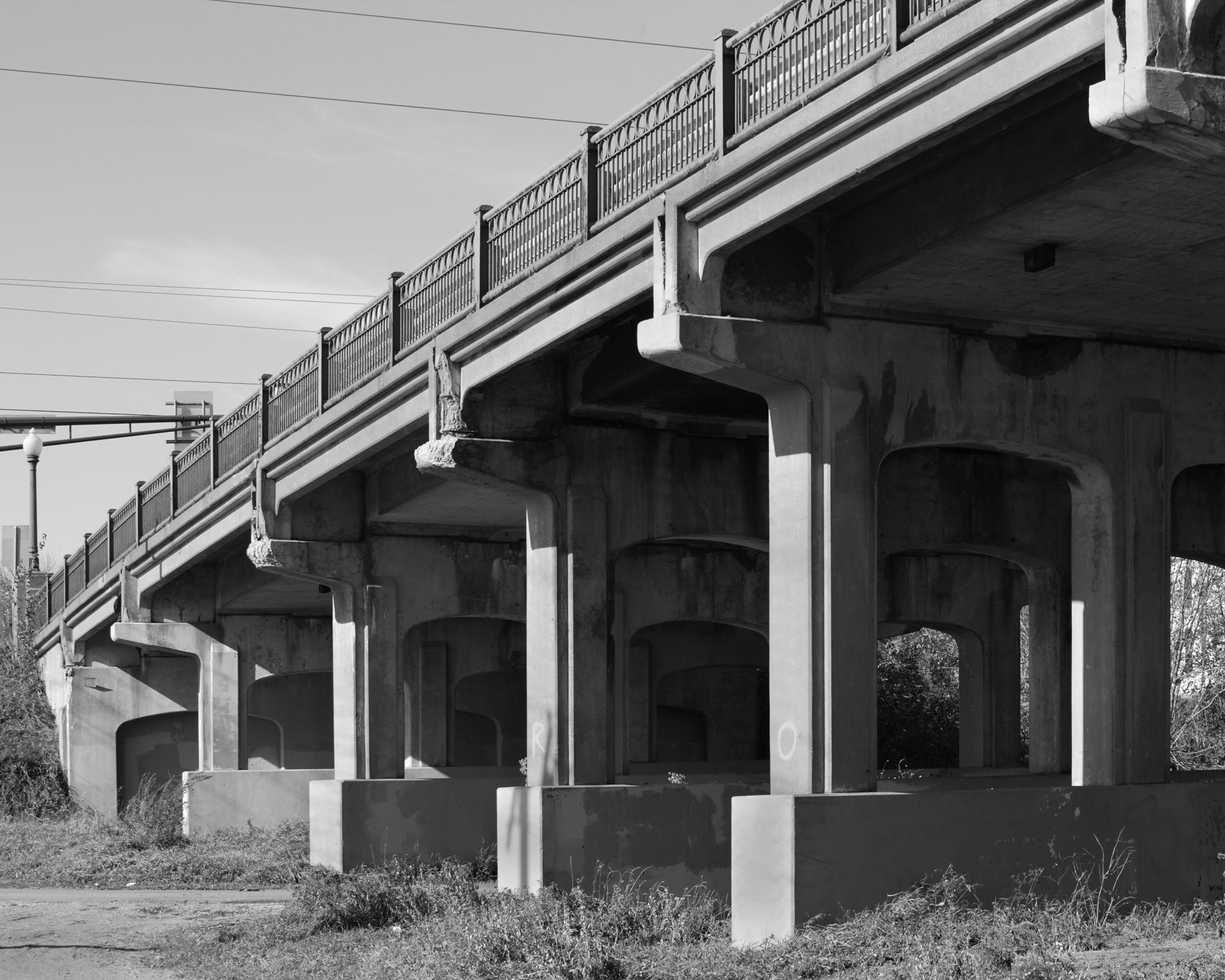 Bridge 5370 West Approach