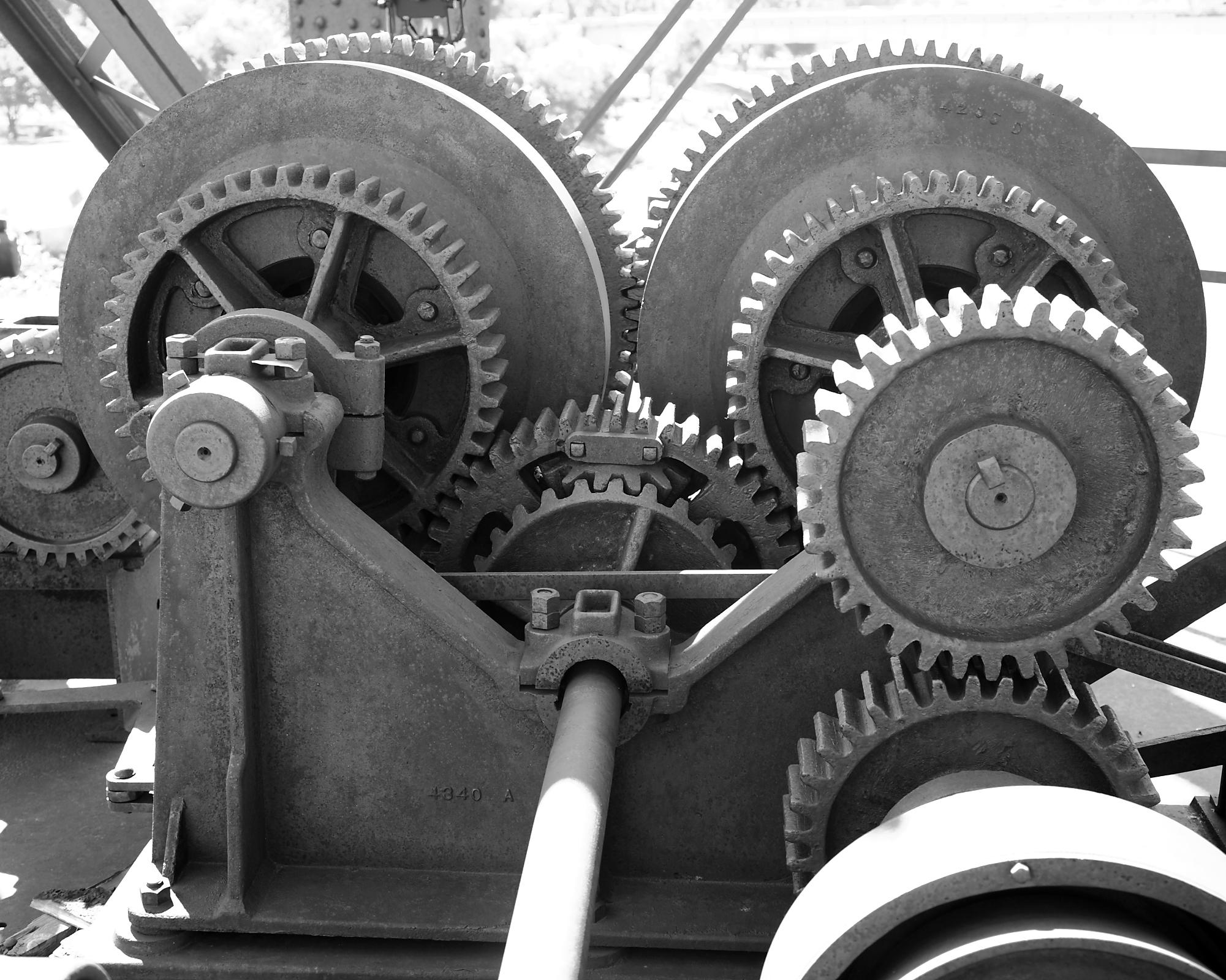 Pierre C&NW Bridge - Upper Drive Gears (Please credit Daniel R. Pratt and the Historic American Engineering Record)