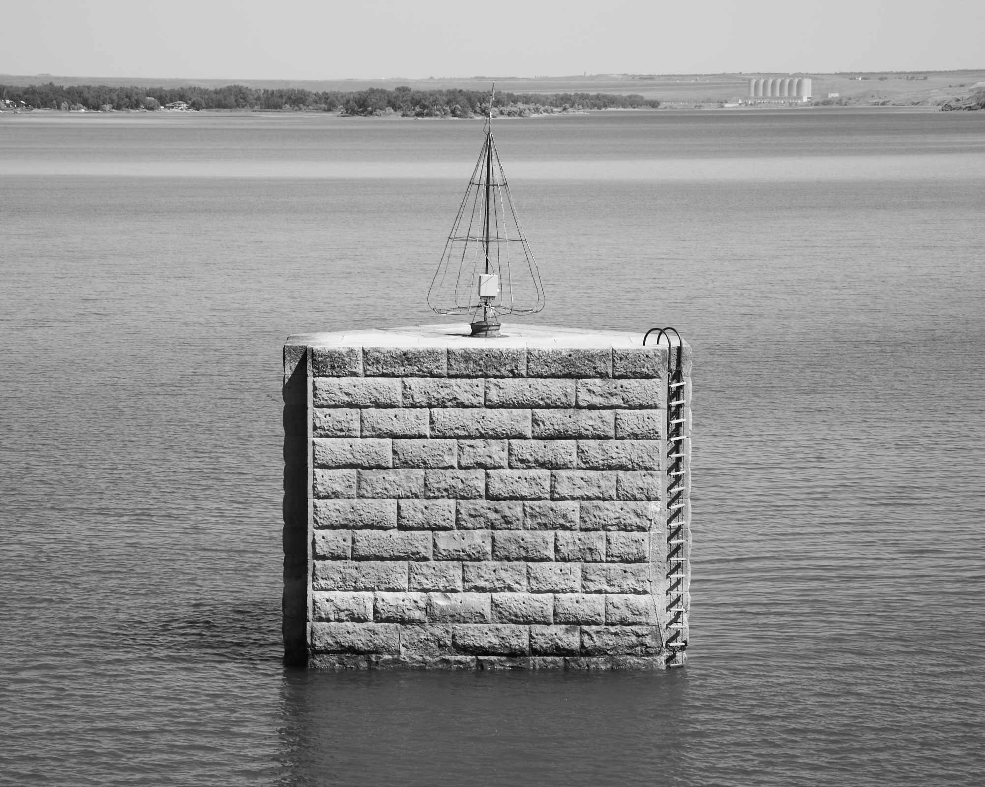 Pierre C&NW Bridge - Upstream Ice/Debris Protection Pier (Please credit Daniel R. Pratt and the Historic American Engineering Record)